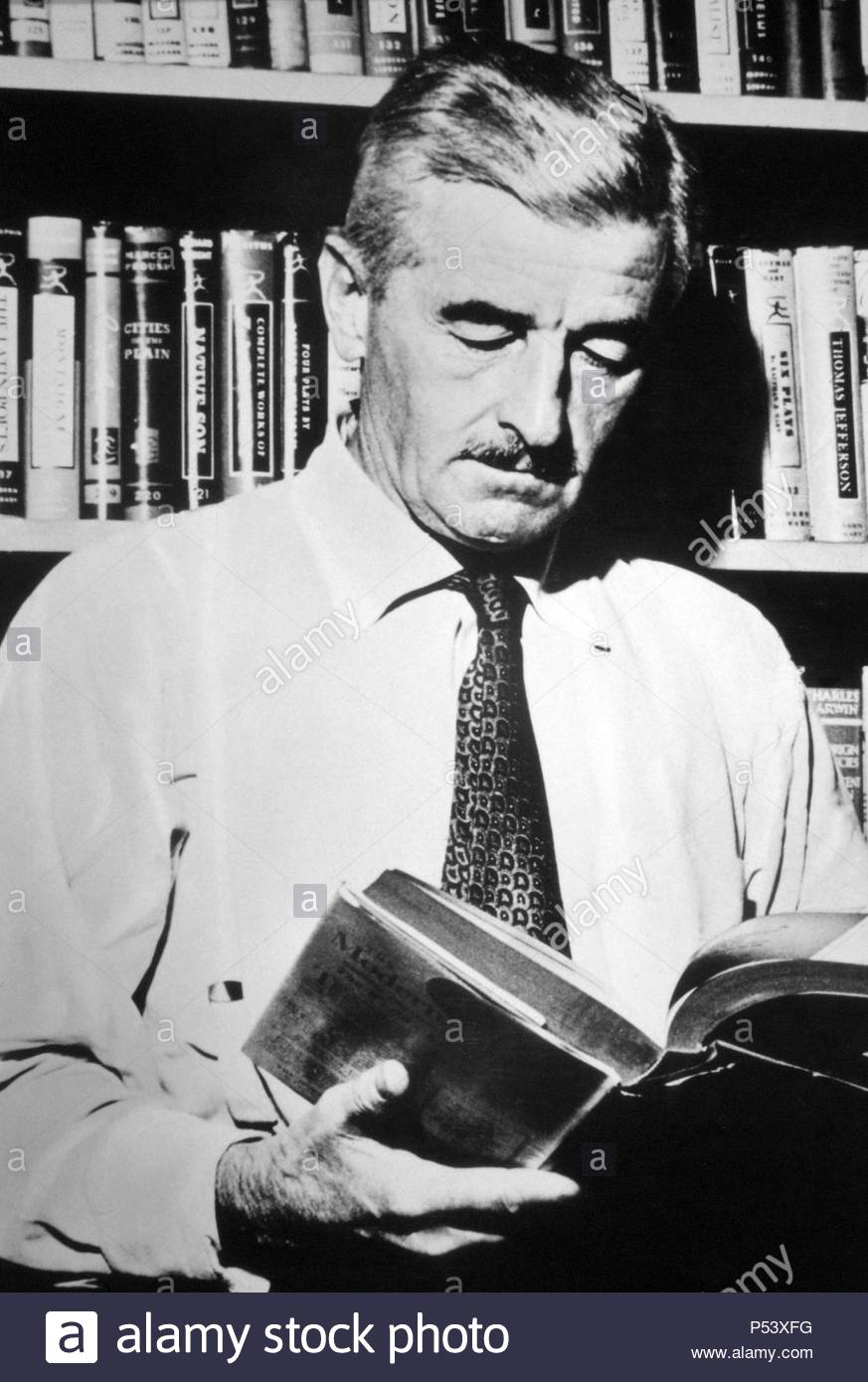 william-faulkner-1897-1962-escritor-y-poeta-estadounidense-P53XFG